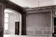 42.-The-Drawing-Room-looking-into-the-larger-bay