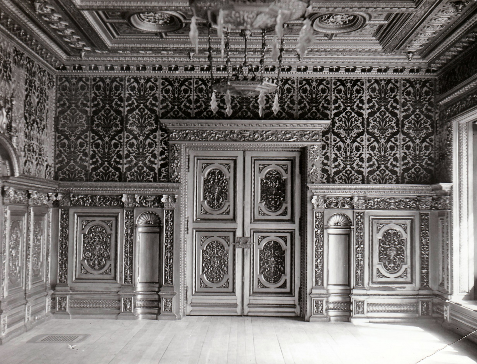 54.-The-Dining-Room-the-pair-of-doors-into-the-Hall