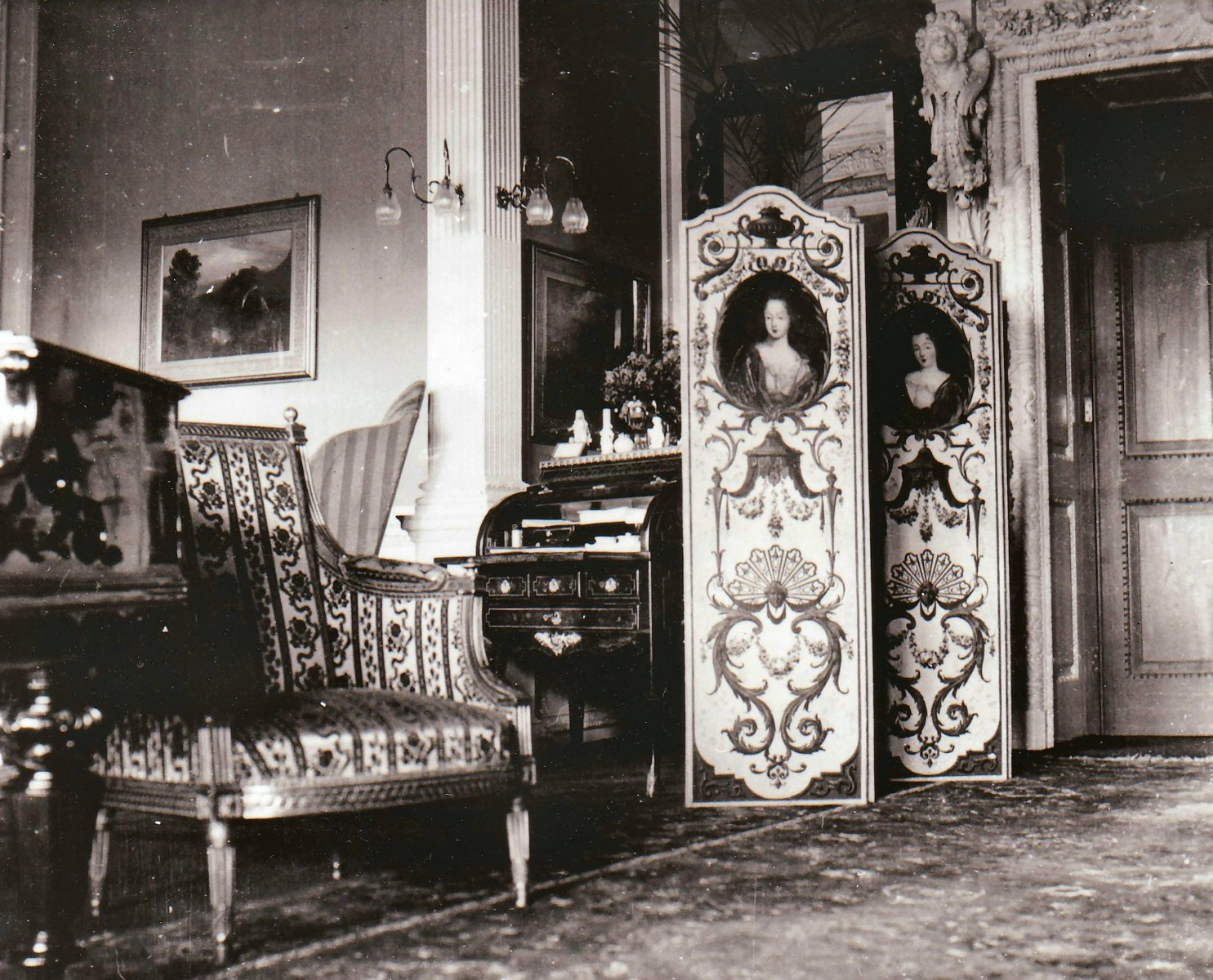 59.-The-Morning-Room-c1900-with-writing-desk